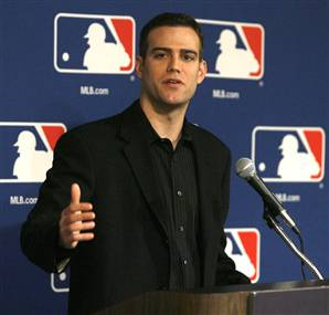 Theo Epstein thumbs up.jpg